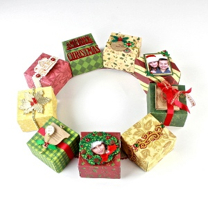 Wreath of Christmas Gifts
