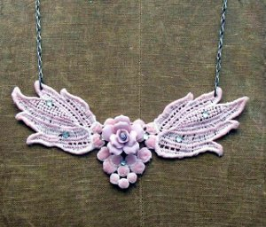 Stunning DIY Crochet Necklace