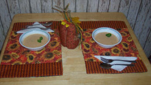 Amazing Reversible Placemats For Fall Favequilts Com