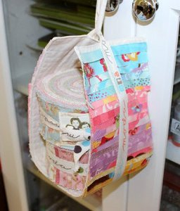 20 Organizing Ideas: Making Small Quilt Projects and Reusing Your ... : small quilt projects - Adamdwight.com