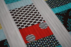 Trouble Free Straight Line Quilting | FaveQuilts.com : straight line machine quilting - Adamdwight.com