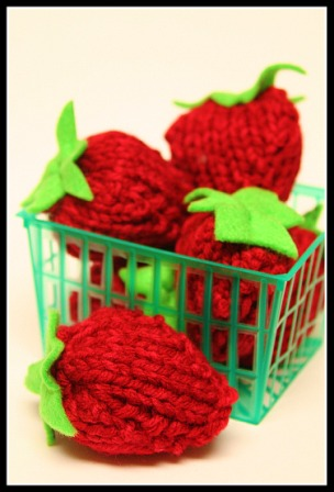 Knit Punnet of Strawberries