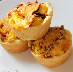 Bacon, Eggs, and Cheese Breakfast Cups