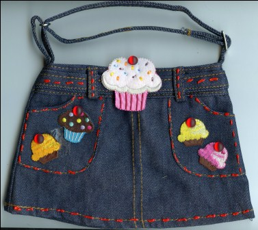 Cupcake Purse Front