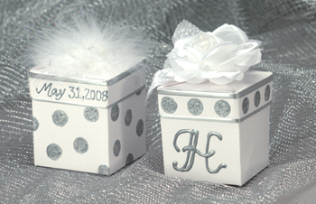 polka dot favor boxes